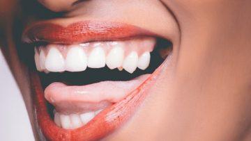 Wybielanie zębów w domu – 9  domowych sposobów na bielsze zęby!